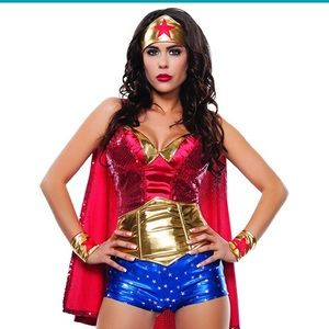 Other - 💃Wonder Woman like costume - sequin cape - size M